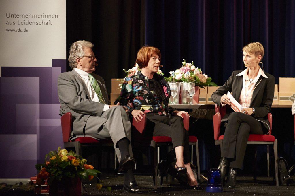 """Dr. Heike und Michaela Heinze beim VDU Business Talk """"Erfolg und Scheitern"""" Foto: Vogelsänger Studios"""