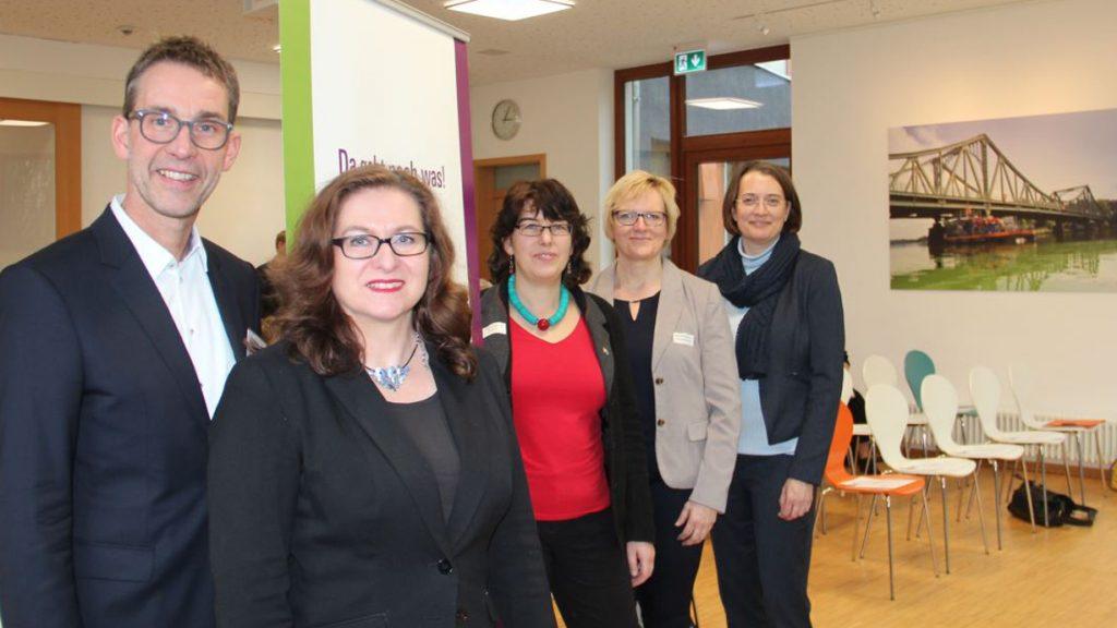 Kompetenzzentrum Frau und Beruf OWL sucht Projektmitarbeiterin